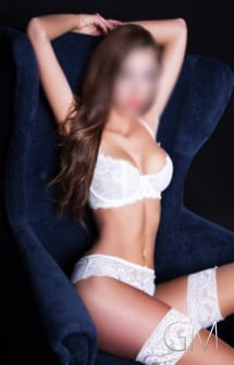 vip-profil2-pretty-face-and-charming-escort-mira-in-germany-munich-dusseldorf-cologne-profile-picture